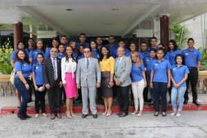 Estudiantes de la Universidad de Panamá viajan a República Dominicana becados por el IFARHU
