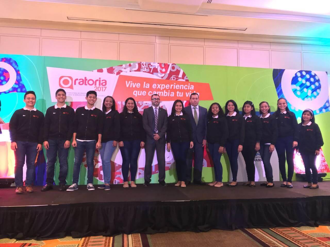 IFARHU entregó becas universitarias a los 12 participantes del Concurso de Oratoria 2017