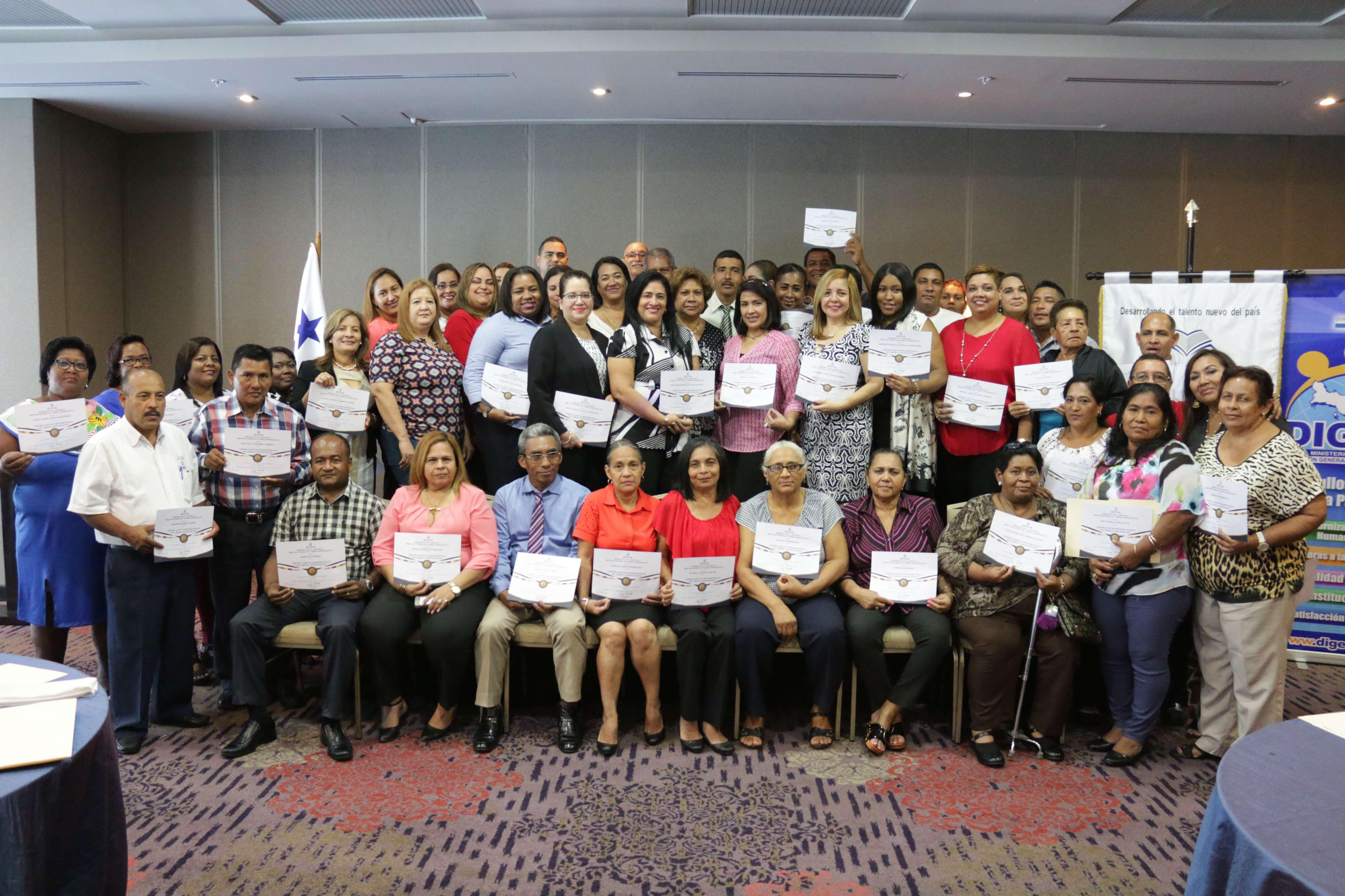 55 servidores públicos del IFARHU ingresan a Carrera Administrativa