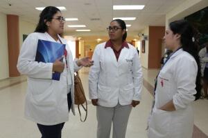 Ifarhu Minsa y 4 universidades privadas ofrecen becas completas para estudiar medicina
