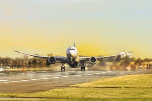Treinta panameños se formarán como nuevos pilotos en Riverside Flight Center en EEUU