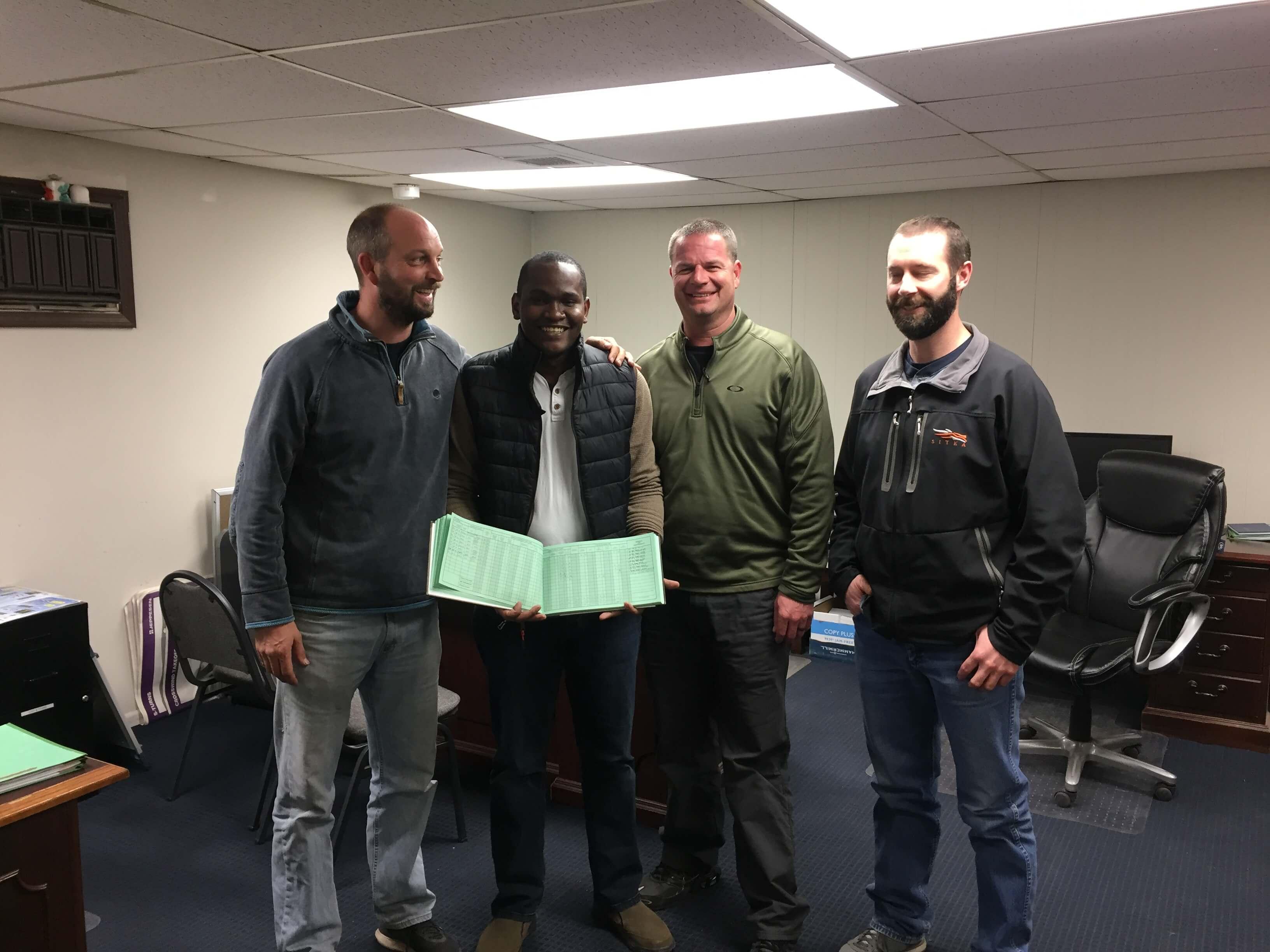 El Becado de IFARHU Raphael Buchanan obtiene su tútulo de piloto de aviación