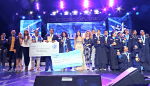 Ganadores y finalistas de Talenpro reciben becas e incentivos para sus estudios