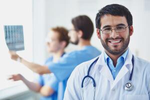 Del 12 al 30 de noviembre inicia convocatoria para Becas de Medicina