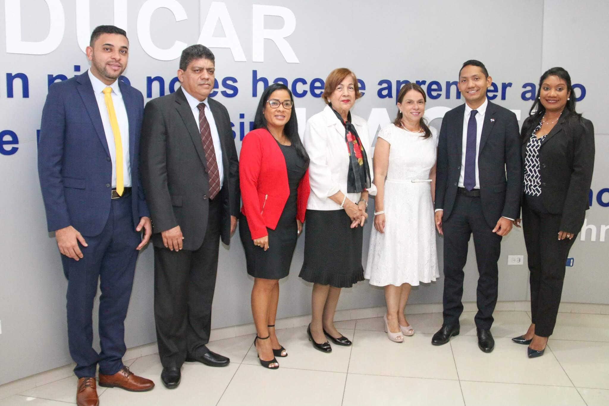 Meduca e Ifarhu analizan cambios a programas de becas