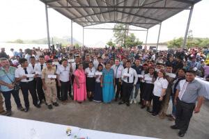 Estudiantes de la comarca Ngäbe-Buglé reciben becas para estudios universitarios