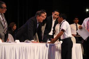 Presidente Cortizo Cohen escucha inquietudes de estudiantes en Día Internacional de la Juventud