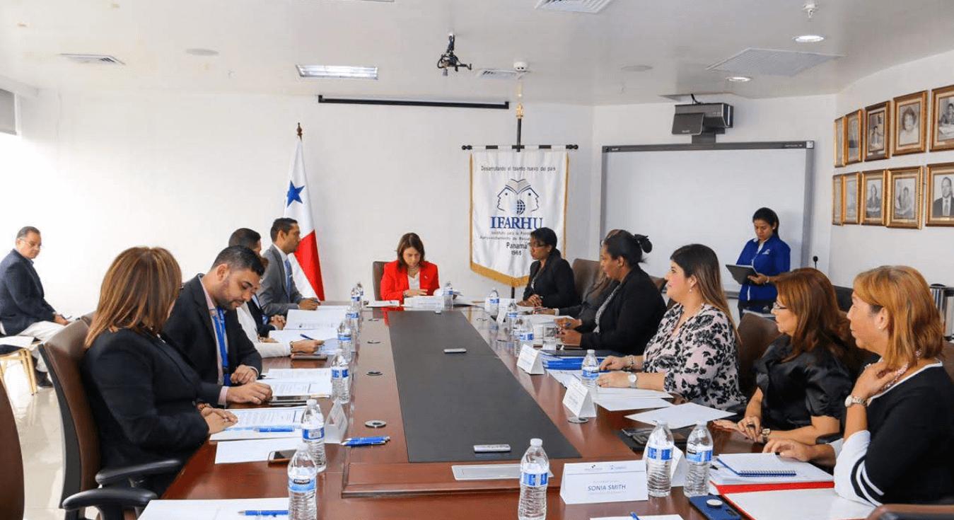 Autoridades presiden el primer Consejo Nacional del Ifarhu