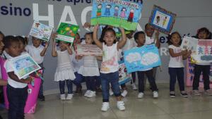 Director del Ifarhu recibe la visita de los niños del C.A.I.P.I celebrando el Día Internacional de la Paz