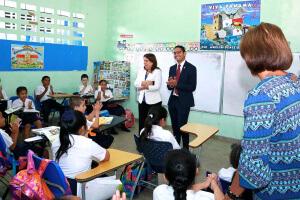Director del Ifarhu y Ministra de Educación inspeccionan pago de Beca Universal