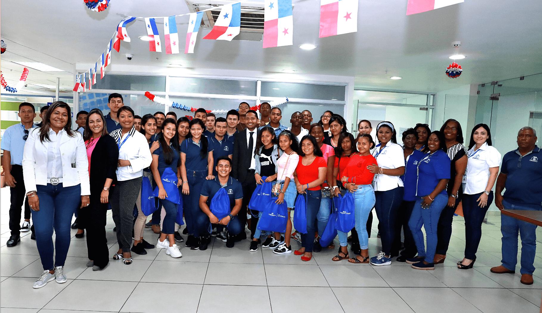Jóvenes cursarán estudios en Panamá, EE.UU. y España tras beca del Ifarhu